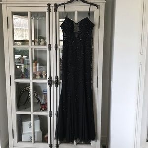BLACK EVENING/PROM CACHE' TULLE BEADED GOWN (S)